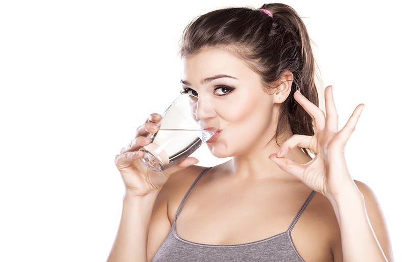 شرب الماء قبل الأكل يساعد على التخسيس