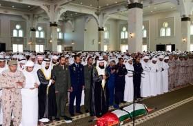 جموع المصلين يؤدون صلاة الجنازة على جثمان شهيد الوطن بدر يحيى المراشدة