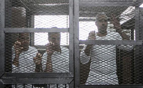 مصر تحبط 3 هجمات وتضبط 36 خلية إرهابية في أبريل