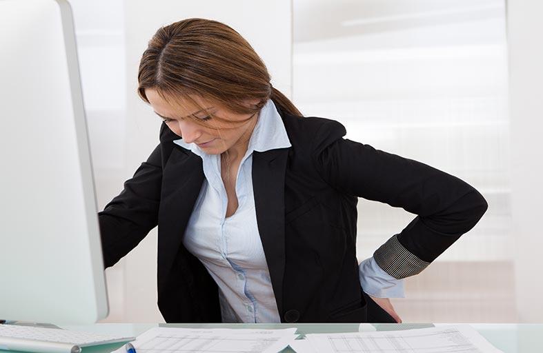 62 % من الشباب يعانون آلام أسفل الظهر