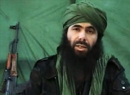 زعيم القاعدة يفر من القوات الفرنسية في مالي