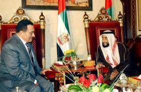 الإمارات تنعي الراحل رسميا وشعبيا .. مبارك رجل السلام و محارب الإرهاب