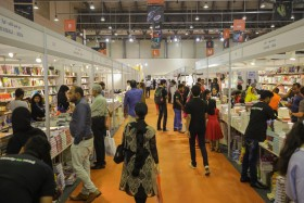 معارض الكتب منصة لتبادل الخبرات وتكوين الشراكات بين مختلف دور النشر