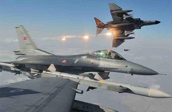 تركيا تقصف مواقع للعمال الكردستاني
