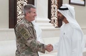 محمد بن زايد يستقبل قائد بعثة «الدعم الحازم» والقوات الأمريكية في أفغانستان