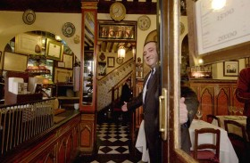 أقدم مطعم عمره 293 سنة