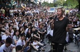 هونغ كونغ: صمت المشاهير والنجوم...
