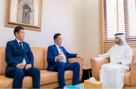 أحمد النعيمي يبحث مع سفير كازاخستان علاقات التعاون