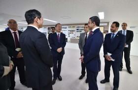 عبدالله بن زايد يزور أقدم مدرسة ثانوية في اليابان