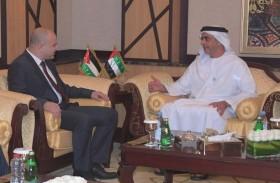 سيف بن زايد يلتقي وزير الاتصالات وتكنولوجيا المعلومات الأردني