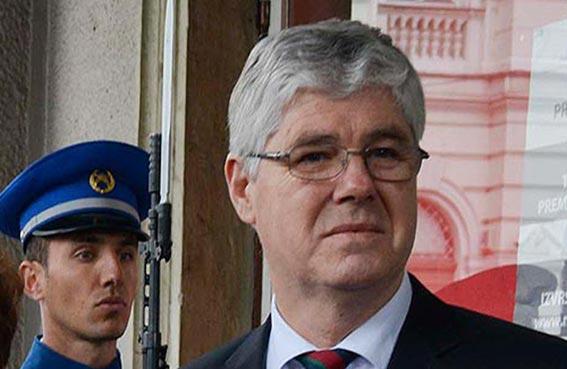 انفجار قرب سيارة قائد جيش البوسنة