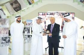 الأرشيف الوطني ينظم معارض صور تاريخية تحفل بسيرة الشيخ زايد وإنجازاته