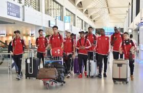 بعثة المنتخب الوطني للشباب تغادر دبي في طريقها إلى أوزباكستان
