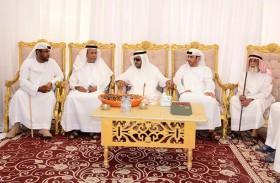 سلطان بن زايد يقدم واجب العزاء في وفاة والدة سعيد وصياح الحميري