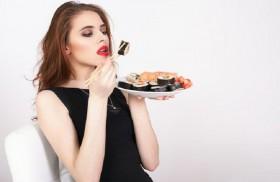 10 أنواع من الأطعمة تشعرك بالجوع