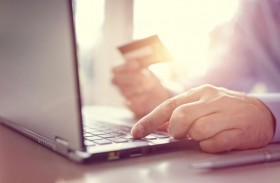 البنوك الإماراتية توفر للعملاء 98 % من خدماتها إلكترونيا