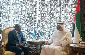 محمد بن زايد يبحث مع الرئيس الصومالي العلاقات الأخوية والتنسيق في محاربة الإرهاب