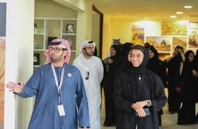 نورة الكعبي تتفقد مهرجان الشيخ زايد التراثي