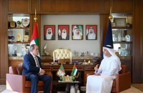 سيف بن زايد يلتقي وزير الشؤون الخارجية الجزائري