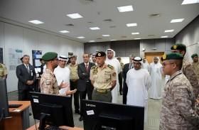 أحمد بن طحنون يشهد تخريج الدفعة الأولى من برنامج المهارات الإلكترونية