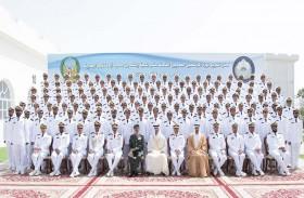 هزاع بن زايد يشهد تخريج الدورة الـ 18 من مرشحي الكلية البحرية