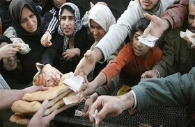 تقرير: خط الفقر يطحن الأسرة الإيرانية