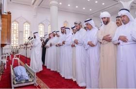 ولي عهد عجمان يؤدي صلاة الجنازة على جثمان علي ماجد المطروشي