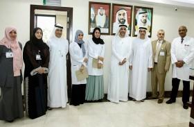 وكيل وزارة الصحة يكرم أول طبيبتين إماراتيتين تخرجتا في برنامج البورد العربي بتخصص الأنف والأذن والحنجرة