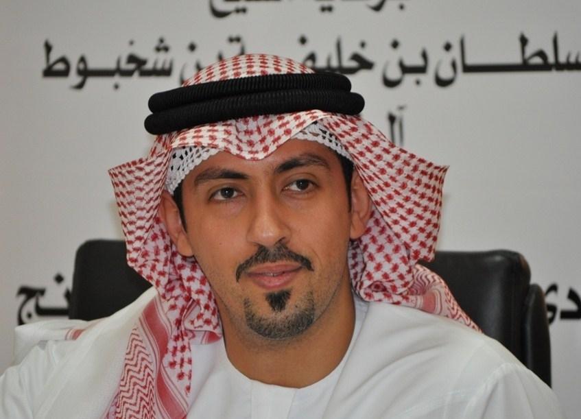 سلطان بن شخبوط يكرم أولياء أمور لاعبي شطرنج العين