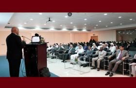 فرع جامعة الشارقة بالذيد يعقد اللقاء الإرشادي لطلبته الجدد
