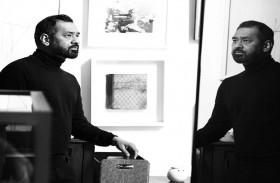 تستكشف عمل الفنان المعاصر عمران قريشي
