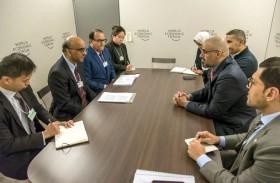 خالد بن محمد بن زايد يبحث التعاون الاستراتيجي مع وزراء ومسؤولين على هامش منتدى  «دافوس»