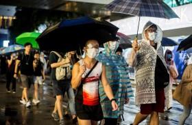 محتجو هونغ كونغ يتظاهرون لتأكيد السلمية