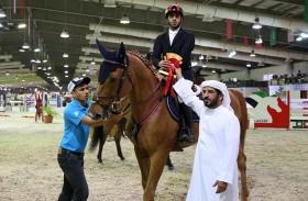 بطولة سلطان بن زايد لقفز الحواجز تتواصل بمشاركة نخبة من الفرسان والجياد