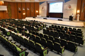 بلدية مدينة أبوظبي تطلع الاستشاريين والمقاولين بشأن متطلبات جائزة الخوذة الذهبية