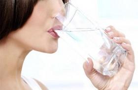 فوائد وأضرار رجيم الماء للتخسيس السريع