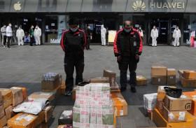 الصين تكرّم ضحايا كوفيد-19 وتنكس الأعلام