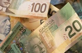 الدولار الكندي يسجل أدنى  مستوى في عام مع هبوط أسعار النفط