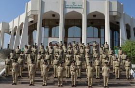 عبد الله المري يشهد حفل تخريج دورتين للضباط الجامعيين والشرطة النسائية