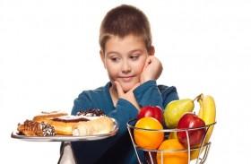 تحذير من خطورة مكونات مشبعة بالسكر في أغذية الأطفال