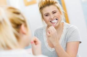 وسائل طبيعية لتبييض أسنانك
