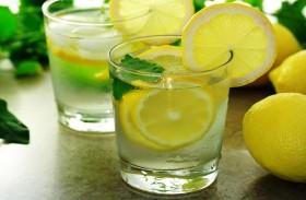 مشروب الماء بالليمون.. فوائد عظيمة