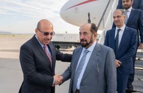 حاكم الشارقة يصل مطار كراكوف في بولندا