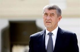 رئيس الوزراء التشيكي ينجو من سحب الثقة
