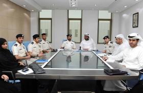 """وفد """"المتابعة والتحكم"""" يطلع على العمل الإعلامي في شرطة أبوظبي"""