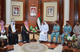 سيف بن زايد يستقبل الوفد السعودي إلى اجتماع اللجنة الأمنية المشتركة بين البلدين