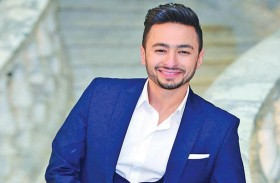حمادة هلال رجل أعمال ينتمي إلى أسرة ميسورة الحال في (ابن أصول)