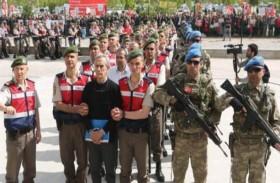 حرب مكشوفة.. أردوغان يقصي منافسيه قسراً