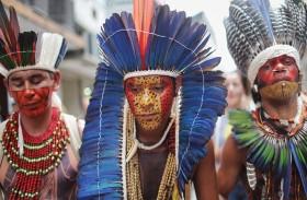 السكان الأصليون البرازيليون يريدون إسماع صوتهم في بلادهم