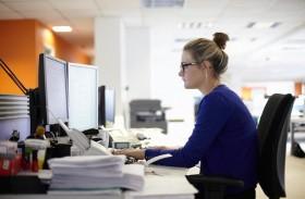 المرأة تعمل ثماني مرات أكثر من الرجل